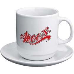 Set aus weißer Kaffeetasse mit Untersetzer